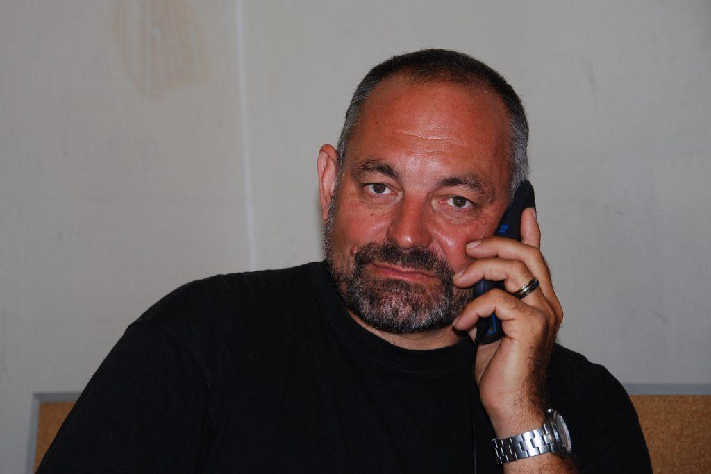 Firmeninhaber Arno Darnhofer beantwortet ihre Fragen