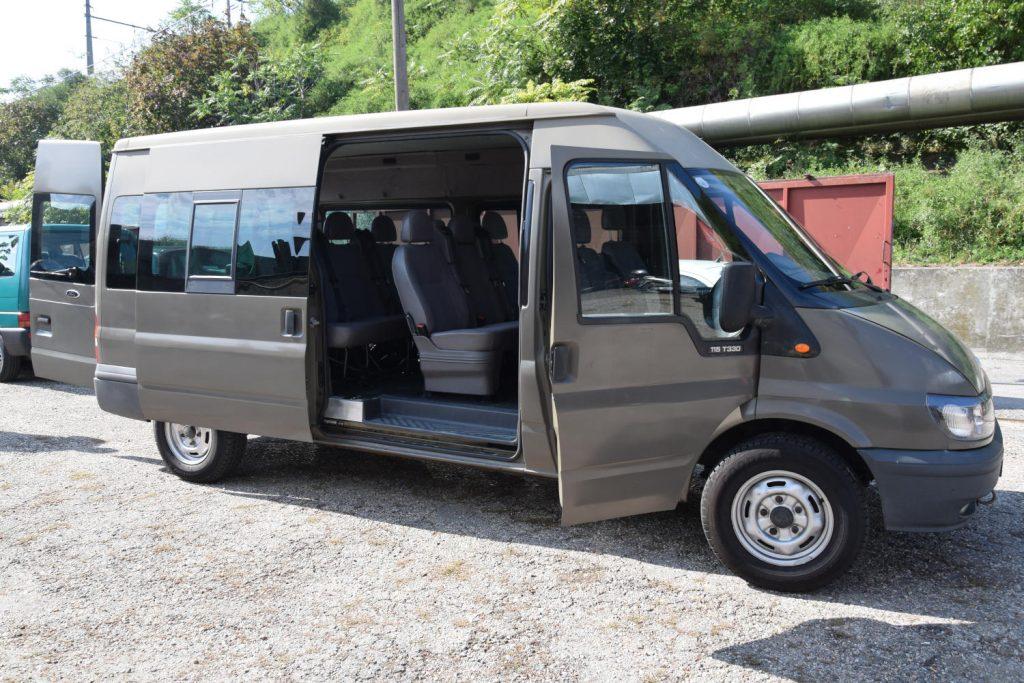 Ford Transit: 9-Sitzer mit viel Platz